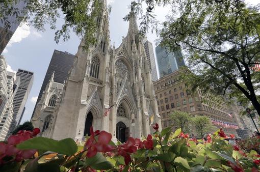 Mỹ bắt giữ đối tượng mang xăng vào nhà thờ
