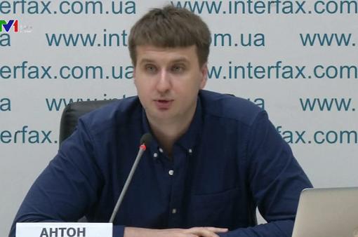 """Hai ứng cử viên Tổng thống Ukraine """"so găng"""" trực tiếp"""