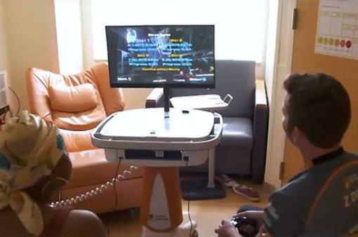 Thiết bị chơi game di động mang niềm vui đến với bệnh nhi