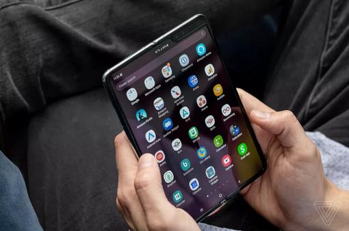 Samsung trì hoãn vô thời hạn thời điểm ra mắt Galaxy Fold