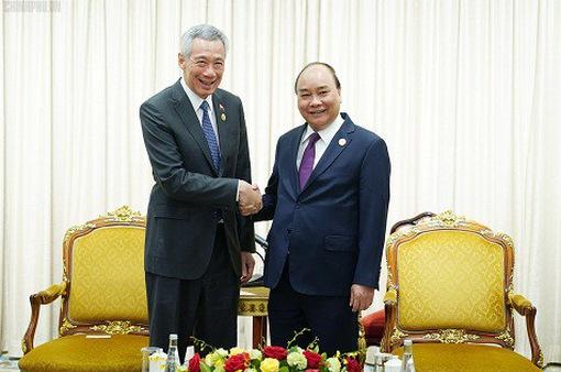 Thủ tướng Nguyễn Xuân Phúc hội kiến Thủ tướng Singapore Lý Hiển Long
