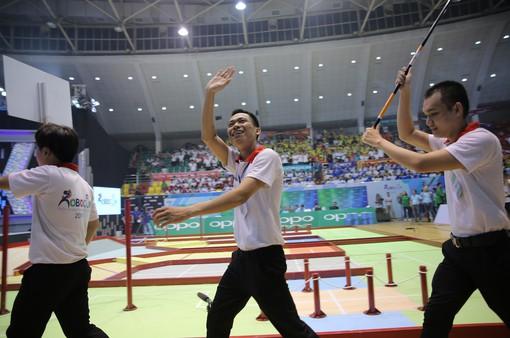 Nhà vô địch LH-WAO chia sẻ gì về chiến thắng tại Robocon Việt Nam 2019?