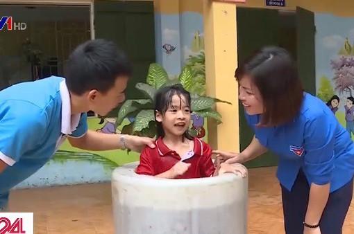 Lớp học kỹ năng phòng chống đuối nước cho trẻ em ở Bắc Giang