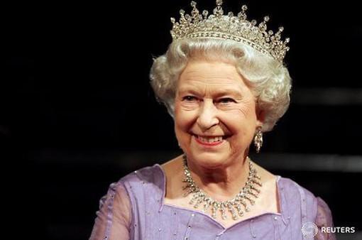 Nữ hoàng Anh tuyển người quản lý mạng xã hội