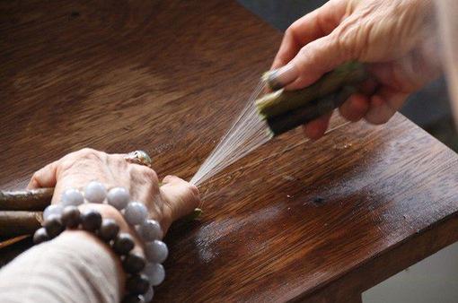 Mục sở thị quy trình kỳ công dệt lụa từ tơ sen