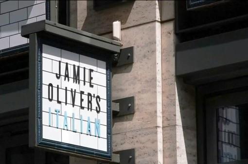 Chuỗi nhà hàng Jamie Oliver's phá sản