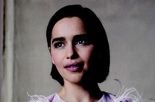 """""""Mẹ Rồng"""" Emilia Clarke từng từ chối bộ phim """"50 sắc thái"""""""