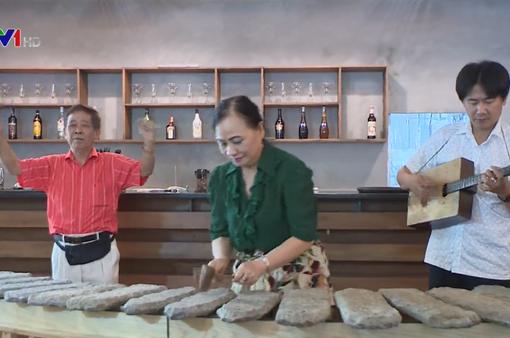 Người gìn giữ nhạc cụ truyền thống Việt