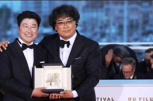 Truyền thông Hàn Quốc tung hô đạo diễn Bong Joon Ho sau giải Cành cọ vàng