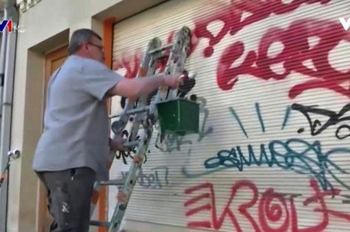 Brussels chống nạn vẽ bậy lên tường