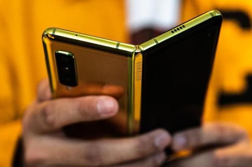 Best Buy hủy toàn bộ đơn đặt hàng với Galaxy Fold