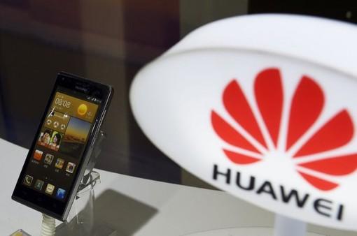 """Đến lượt đối tác lắp ráp lớn nhất """"xoay lưng"""" với Huawei"""