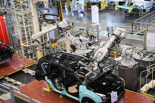Tăng trưởng sản lượng công nghiệp của Trung Quốc thấp kỷ lục