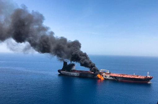 """Tàu chở dầu bị tấn công: """"Thùng thuốc súng"""" tại Vùng Vịnh đi đến đâu?"""