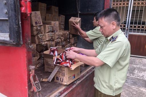 Tiêu hủy 8.000 que kem Trung Quốc