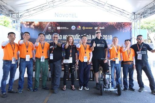 Khám phá kho pháo hoa của đội Anh và Trung Quốc tại Lễ hội pháo hoa quốc tế Đà Nẵng 2019