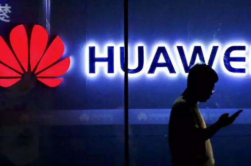 Huawei cắt giảm đơn hàng smartphone cao cấp: Tan mộng đế vương?