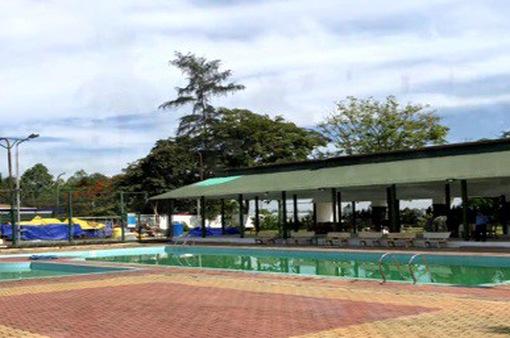 Hai em nhỏ thiệt mạng khi tắm hồ bơi khách sạn