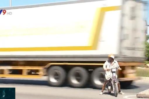 Tiềm ẩn nguy cơ tai nạn ở điểm giao nhau trên Quốc lộ 1 qua Bình Thuận