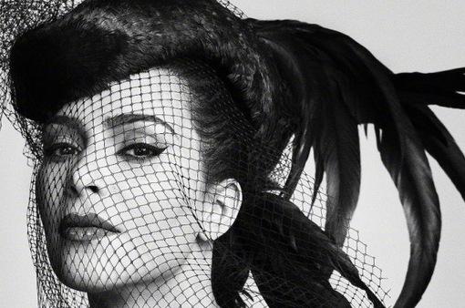 Kim Kardashian West rực rỡ trên Vogue Nhật, giống như Beyonce