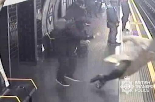 Án chung thân cho người đẩy cụ ông 91 tuổi xuống đường ray tàu điện ngầm