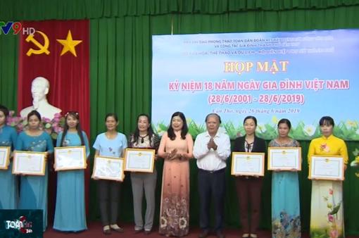 Họp mặt kỷ niệm 18 năm Ngày Gia đình Việt Nam