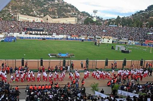 Giẫm đạp kinh hoàng tại sân vận động ở Madagascar, gần 100 người thương vong