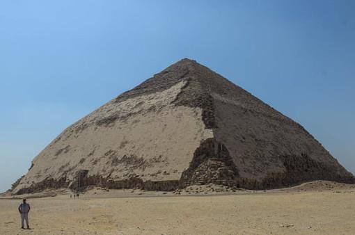 Ai Cập cho phép du khách tham quan bên trong kim tự tháp 4.600 năm tuổi