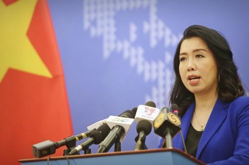 Việt Nam đang bảo vệ vùng biển của mình một cách hòa bình, đúng pháp luật
