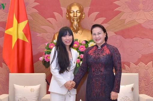 Việt Nam luôn coi trọng quan hệ với Pháp trong chính sách đối ngoại