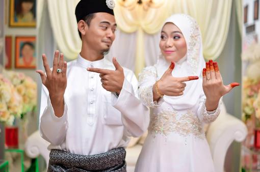 """Các cặp đôi Malaysia trắc nghiệm """"tâm đầu ý hợp"""""""