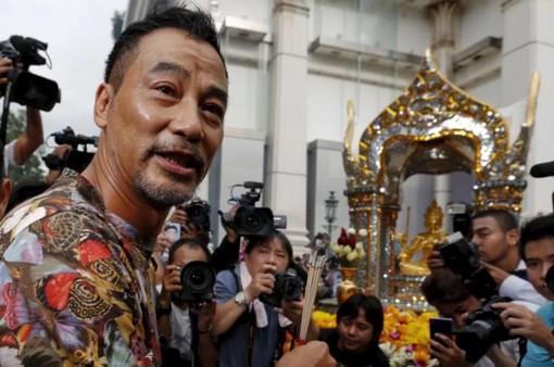 Diễn viên Hong Kong Nhậm Đạt Hoa bị kẻ lạ dùng dao đâm
