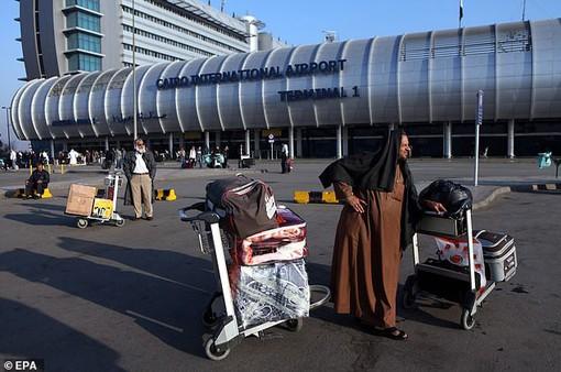 Lo sợ khủng bố, hãng hàng không hủy toàn bộ chuyến bay tới Ai Cập