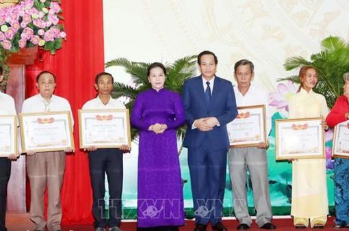 Chủ tịch Quốc hội dự lễ trao bằng Tổ quốc ghi công