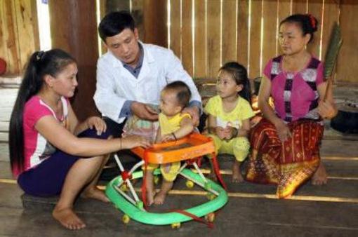 Cứ 4 trẻ dưới 5 tuổi có 1 trẻ bị thấp còi và suy dinh dưỡng