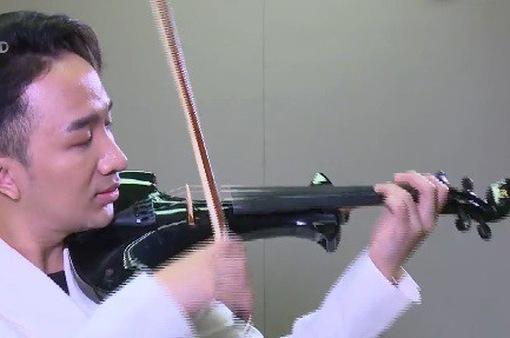 """Nghệ sĩ violin Hoàng Rob kể chuyện tình yêu qua album """"Trò chuyện"""""""