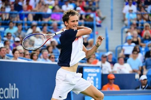 Novak Djokovic 1-2 (6/3, 3/6, 3/6) Daniil Medvedev: Ngược dòng vào chung kết!