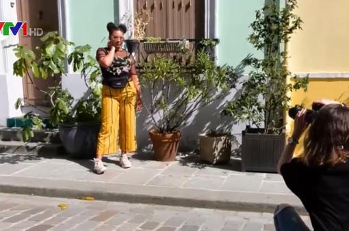 Khi Instagram trở thành nỗi ám ảnh với người dân phố Rue Crémieux, Pháp