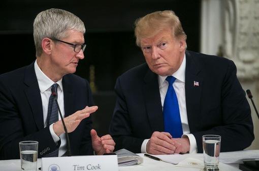 """Apple """"than khó"""" về Samsung với Tổng thống Trump"""