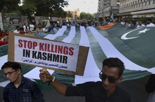 Ấn Độ bất ngờ đề cập đến vũ khí hạt nhân trong căng thẳng với Pakistan