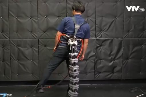 Phát minh đuôi robot giúp người già giữ thăng bằng
