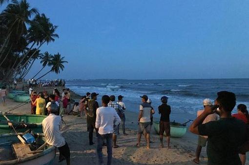 Danh tính 4 thanh niên bị sóng cuốn mất tích khi đang tắm biển tại Bình Thuận