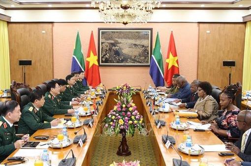 Tăng cường hợp tác quốc phòng Việt Nam - Nam Phi