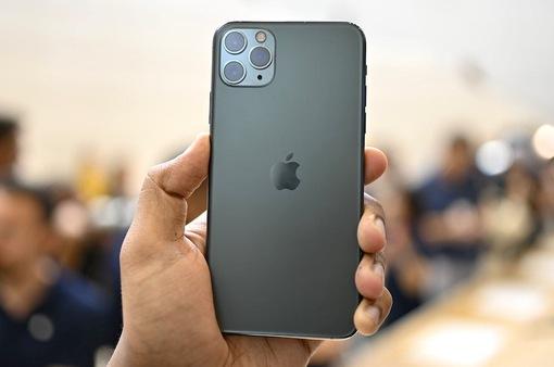 iPhone 11 Pro Max vô địch về cân nặng