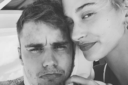 1 năm sau kết hôn, Justin Bieber thú nhận yêu vợ hơn