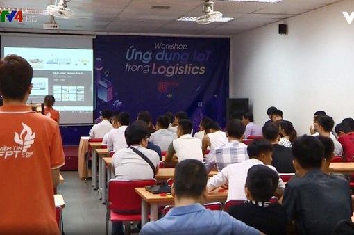 Nâng cao năng lực logistics cho trí thức trẻ Việt Nam