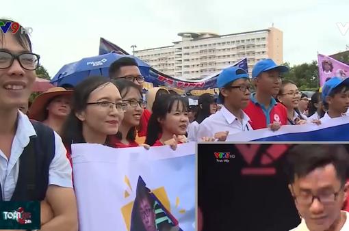"""Thí sinh """"Đường lên đỉnh Olympia"""" Nguyễn Bá Vinh tỏa sáng trong lòng người dân xứ Tây Đô"""