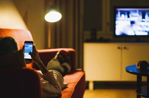 Người làm truyền hình cần thích nghi với sự thay đổi thói quen của khán giả