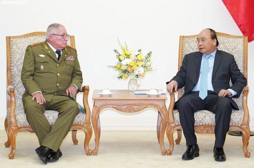 Thủ tướng tiếp Tổng Tham mưu trưởng Quân đội Cuba
