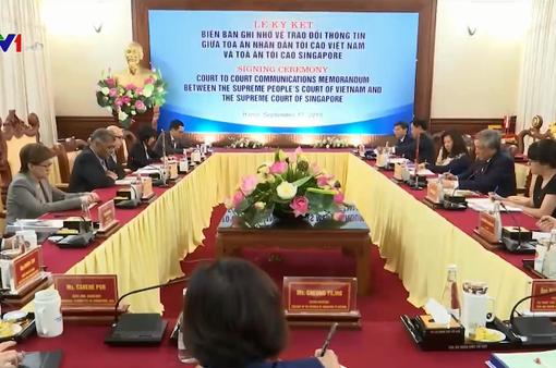 Hội đàm Chánh án Tòa án tối cao Việt Nam - Singapore